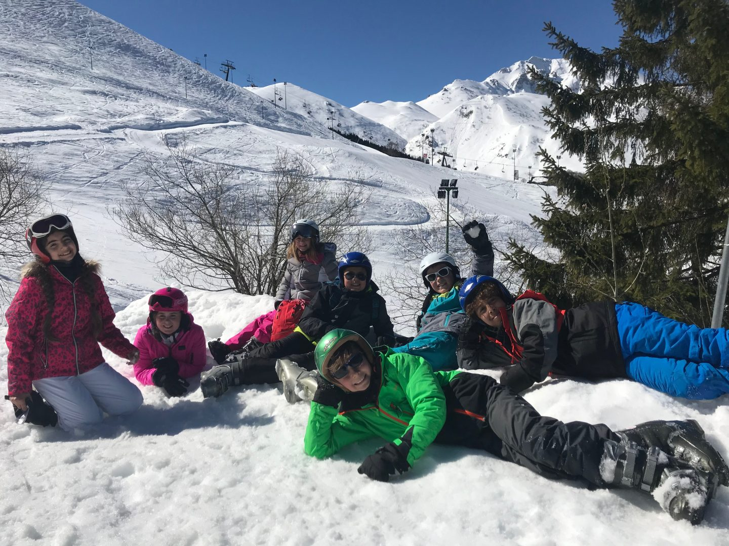 Downsend pupils enjoy the snow on their ski trip