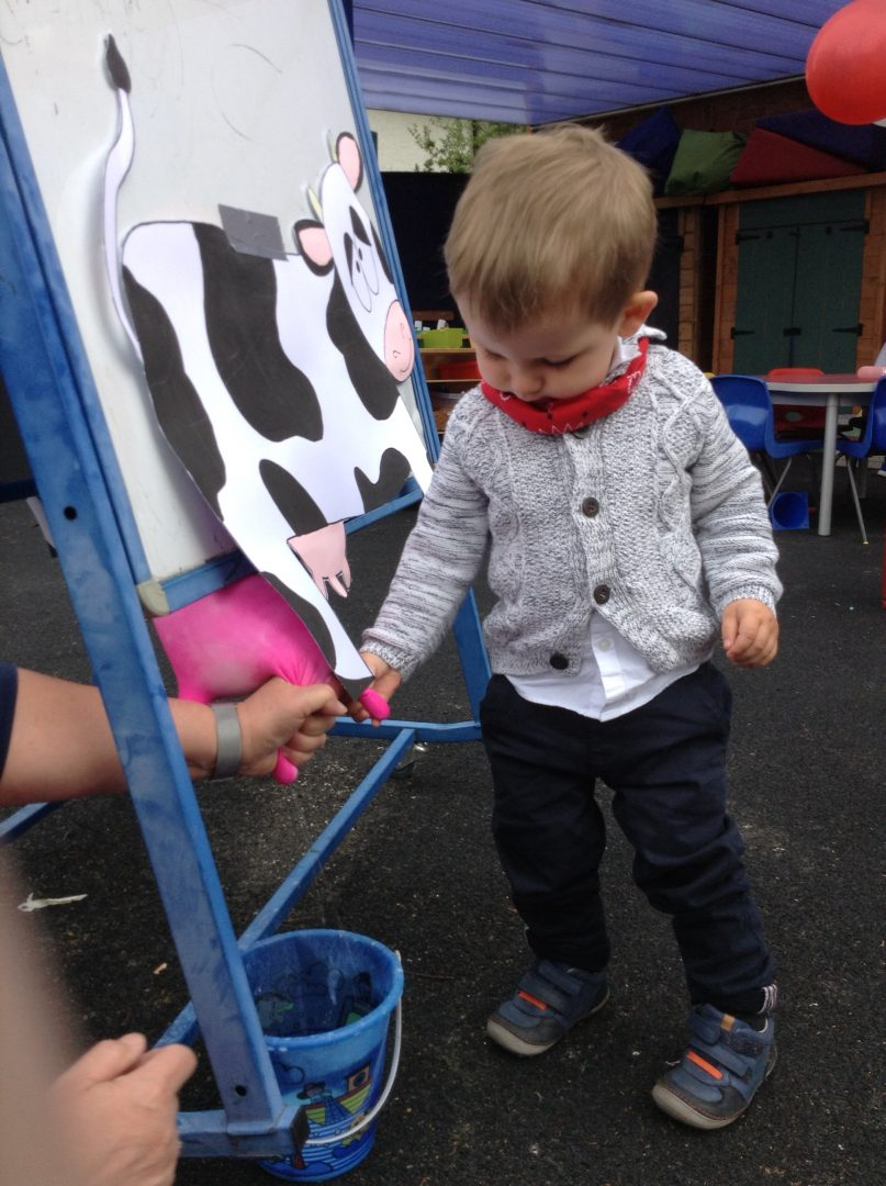 Ashtead pupils enjoy painting pictures outside